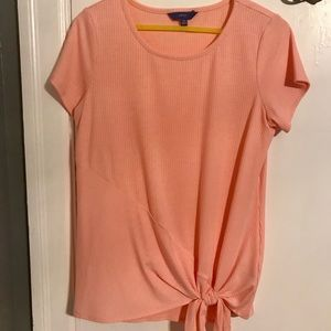 Peach short sleeve top, front side tie